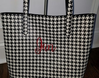 Monogrammed Bucket Style TOTE/ Handbag/ Teacher Gift/  Bridesmaid Gift/ Lots of NEW COLORS!!!
