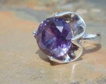 Vintage Mexican Sterling and Cut Purple Glass Ring - Size 6.75