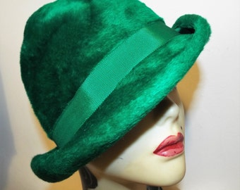 Vintage Ladies Hat 1950's Emerald Green Asymmetric Brimmed Hat from Charter Hats