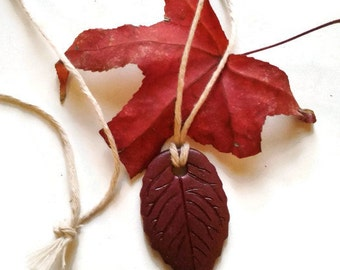 Burgundy leaf necklace, Bordeaux leaf pendant, Folk pendant, Rustic necklace, Mori girl, Nature gift, Leaf jewelry, Marsala leaf pendant