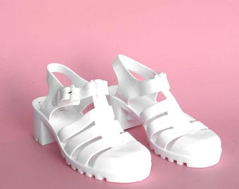 90s Coco Jellies / White Jelly Sandals / Chunky Low Block Heels / Ankle Strap Heeled Sandals / Size 7.5 & 8