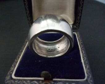 A chunky silver band ring - 925 - sterling silver - 12 mm wide - 11.5 grams - UK M - US 6.5 - Men's