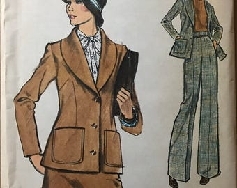 Vogue 8732 - 1970s Very Easy Shawl Collar Jacket, Pants, and Skirt - Size 14 Bust 36
