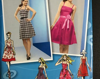 Simplicity 2176 - Sleeveless or Halter Style Summer or Party Dress with Flared Skirt in At or Above Knee Length - Size 4 6 8 10 12