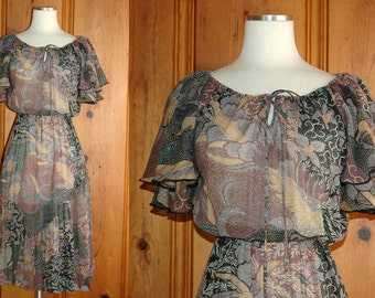 1970s Muted Leafy Floral Jungle Peasant Dress // 70s Midi Boho Dress with Flutter Sleeves