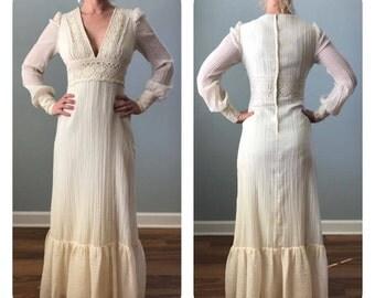 Vintage Ivory Bohemian Wedding Dress