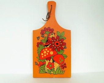 PRICED REDUCED~1970s Decorative Cheeseboard ~ Retro Kitchen Decor ~ Flower Power ~ Flowers and Bird Cheesboard/Cuttingboard