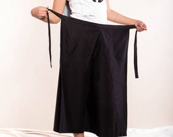 Black wrap pants made of organic cotton, black culotte, culotte sustainable, fair Wickelculotte, elegant simple pants, fine Summer pants