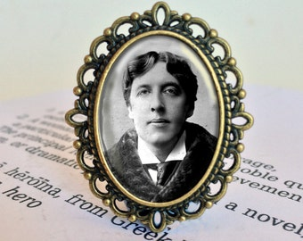 Oscar Wilde Brooch - Oscar Wilde Jewelry,  Literary Jewellery, Gift For Reader, Antique Style Bibliophile Brooch, Oscar Wilde Vintage Brooch