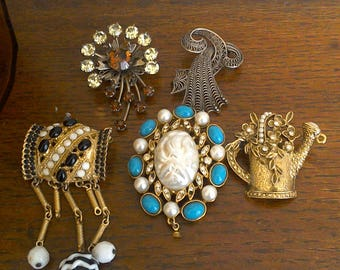 Lot of 5 Brooch Brooches // Costume Jewelry