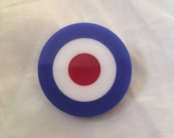 Badge: Mods and Rockers retro classic in cast acrylic
