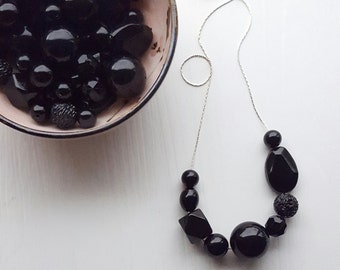 riddick necklace - vintage lucite - pitch black