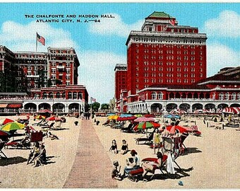 Vintage New Jersey Postcard - At the Shore in Atlantic City (Unused)