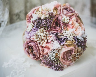 Dusty pink flowers, brooch bouquet, bridal bouquet, babies breath posy, throw bouquet, rustic flowers, pink flower bouquet, pearl bouquet