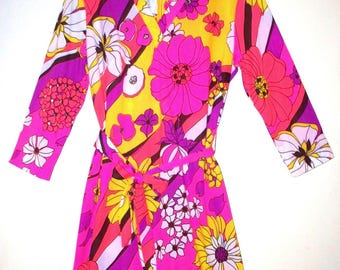 1960s psychedelic mod floral belted sheath dress