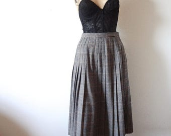 1980s Pleated A-line Skirt preppy houndstooth plaid wool skirt