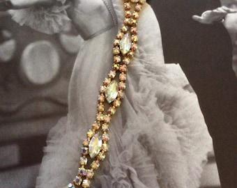 Vintage 1950s 1960s Bracelet Pastel Aurora Borealis Stones Gold Tone Metal Lightweight Sparkly