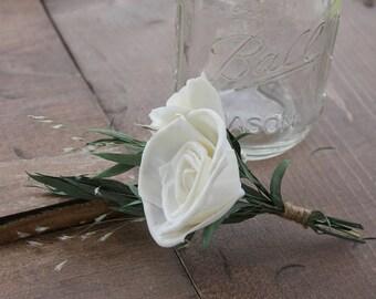Ivory Wedding Boutonniere, Sola Rose Eucalyptus Boutonniere, Dried Flower Boutonniere, Cream Boutonniere, White Boutonniere, Sola Flowers