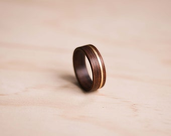 Yellow Gold Inlay in Santos Rosewood Bentwood Ring