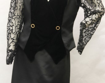 Vintage 1980s Black 2 Pieces Velvet w Lace Skirt and Jacket Suit Long Sleeves Size S