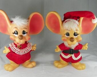 VINTAGE 1970 Santa Mrs Claus Mouse Christmas Mice Couple Big Ear Pair Coin Bank Roy Des of Fla Hard Vinyl Mid Century Kitsch Holiday Decor