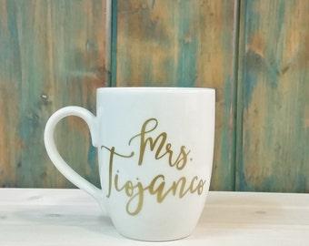 Mrs mug, teacher gift, custom mug, Personalized name mug, gold name coffee mug,  bridesmaid gift, gift for her, gold on coffee mug, name mug