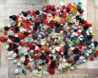 Incredible Lot of Vintage Buttons - Hundreds of Gorgeous Buttons