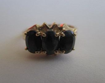 10K Yellow Solid Gold 3 Sapphire Ring Size 7 - 7.25