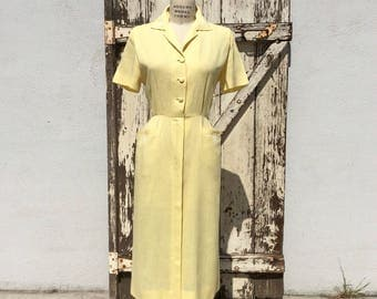 Late 40s Early 50s Yellow Lordleigh Fitted Button Down Dress Medium 30 Waist
