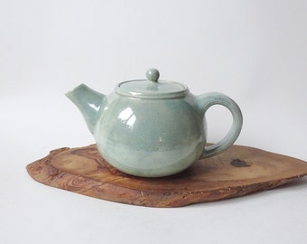 Light green Teapot - Handmade Ceramic Teapot - Teapot possible to use with loose tea leaves