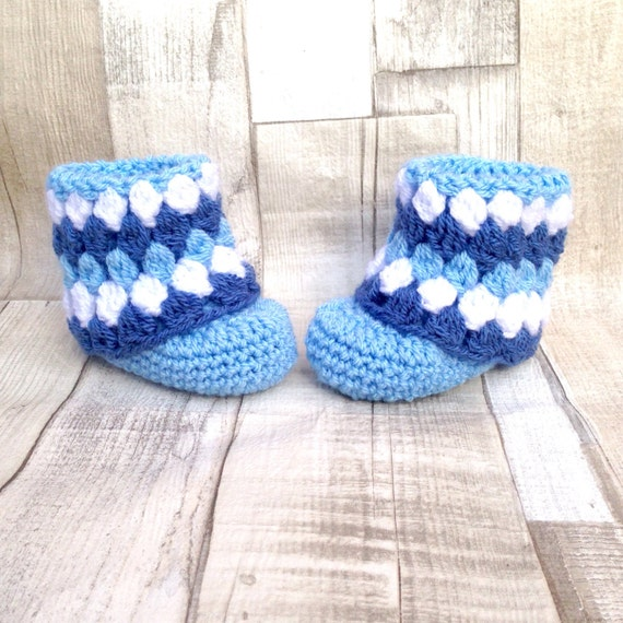 Blue ugg boots, boy baby boots, infant baby booties, Crocheted booties, Baby shower gift, Photo prop, New born baby, Newborn ugg booties