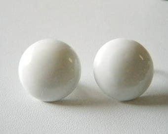 White Round Enamel Button Clip Earrings