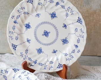 Set of 2 Dinner Plates Yorktown Salem China, Blue and White Transferware, English Ironstone, English Plate, Salem England,Olde Staffordshire