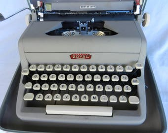 Vintage Portable Typewriter, Royal Quiet De Luxe, Typewriter And Case, 1950s, Mid Century