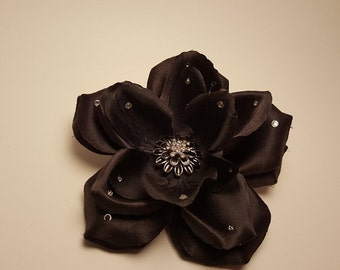 Black hair flower clip