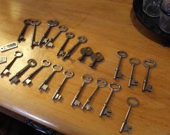 Assorted Vintage Skeleton Keys