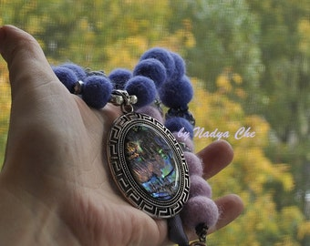 Felted necklace lavanda-pink colors with abalone shell pendant