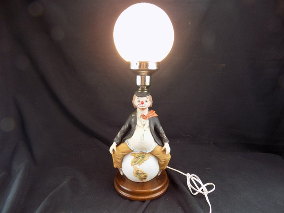 Vintage 1983 Albert E. Price Inc. Product Clown Lamp Complete w/ White Globe