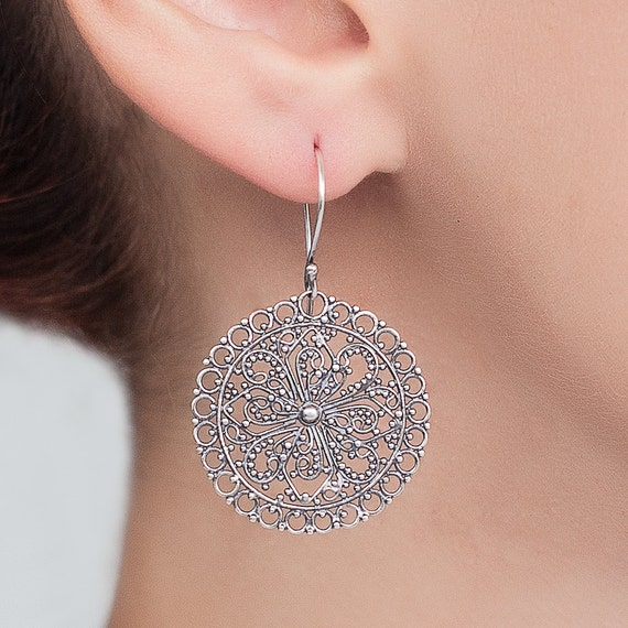 Sterling silver Filigree earrings. round silver earrings. lace earrings. ethnic silver earrings.