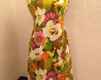 1960s Hawaiin Pleated Dress