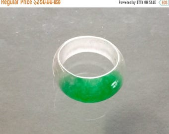 Vintage Chinese natural green jadeite jade lady's ring