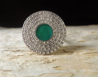 925 Silver ring with round circles and small star punches, jade cenatale, adjustable