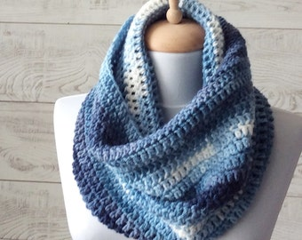 Knit cowl, scarf, knit cowl, infinity scarf, knit scarf, blue scarf / FREE SHIPPING