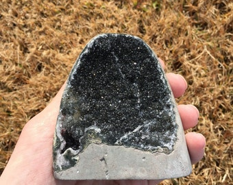Free-standing Amethyst Geode