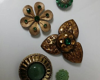 Vintage Magnet Set | 5 Green and Gold Magnets | Upcycled Jewelry | Costume Jewelry Vintage | Fridge Magnets | Custom Magnets