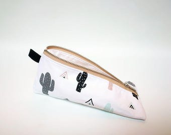 Pencil case / Cactus print pencil case / Modern pencil pouch / Triangle pencil case / Zipped pencil case / Trousse / Etui cactus