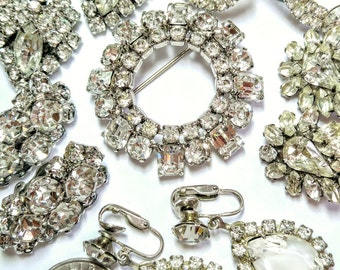 Vintage Clear crystal Rhinestone Jewelry Lot, 4 pair earrings and 2 pins
