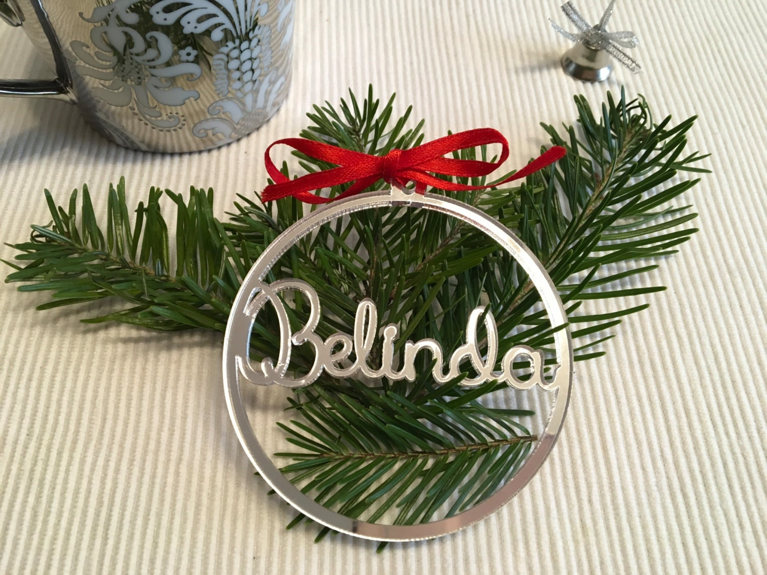 Name christmas ornaments - Personalized Name Gift Tag Acrylic Place Cards Wedding Custom Christmas Ornaments Gold Mirror Christmas Baubles Personalized Tag 02