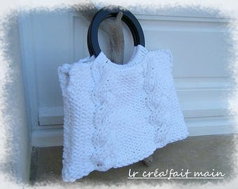 White purse made of recycled cotton