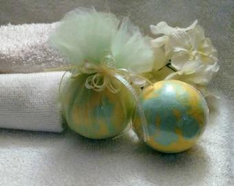 Pear Bath Bomb~Crisp Pear Bath Bomb~Green Bath Bomb~Yellow Bath Bomb~Swirled Bath Bomb~Fresh Pear Bath Bomb~